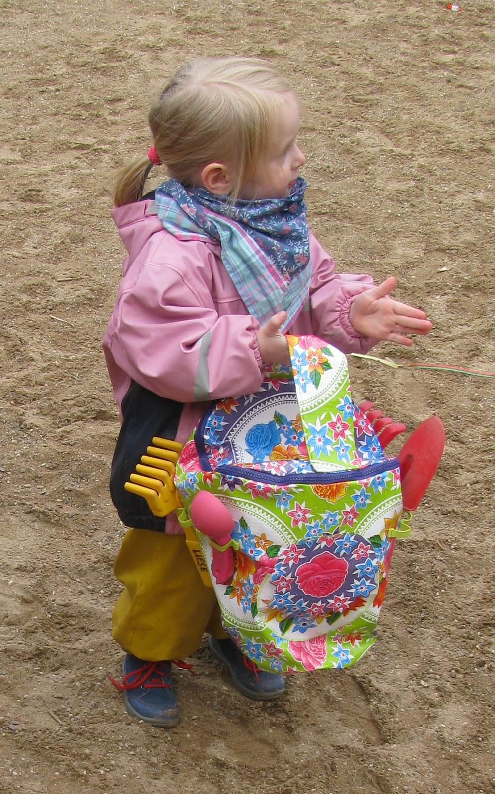 Tasche für Sandspielzeug aus Wachstuch