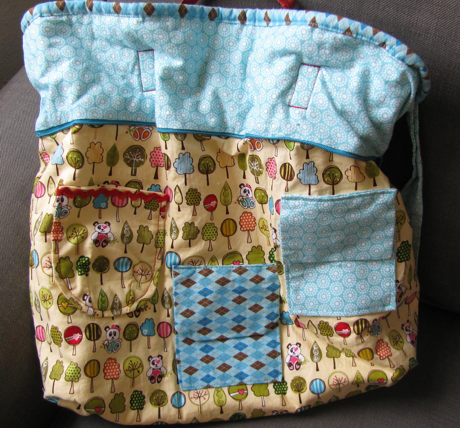 Patchworktasche für Kinder mit vielen Innentaschen