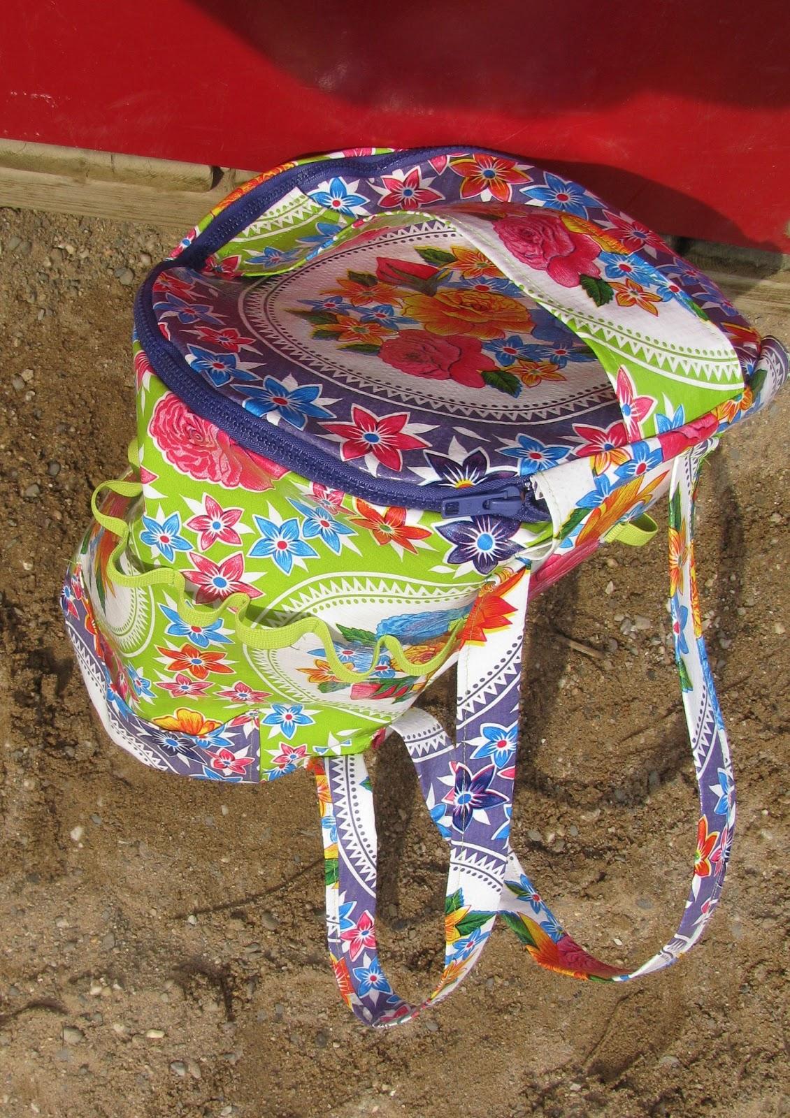 Tasche für Sandspielzeug die als Rucksack getragen werden kann